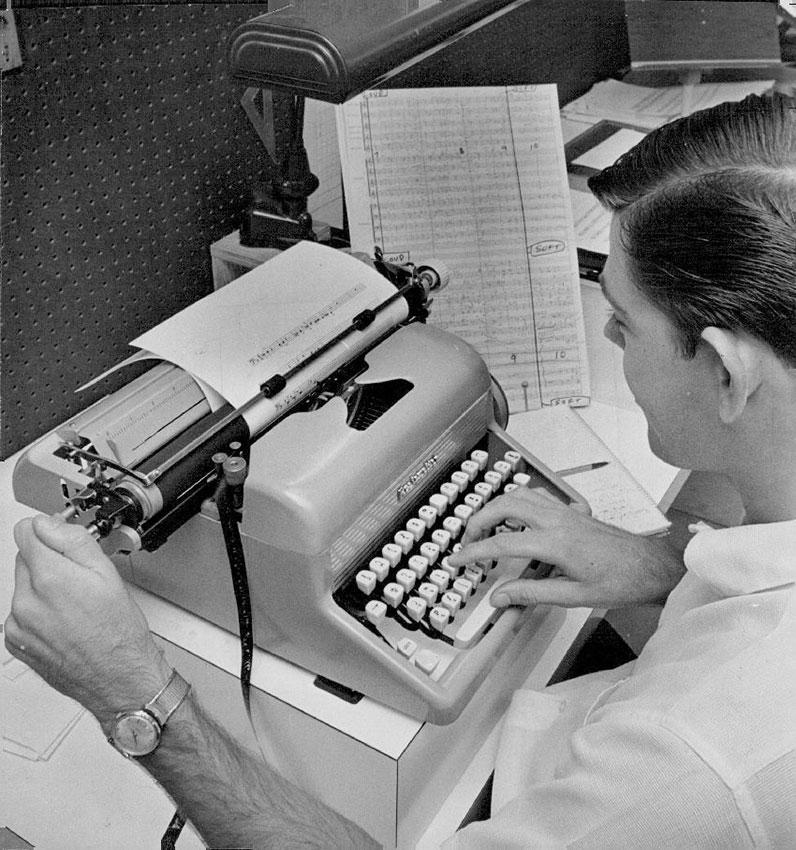 Typing music on the Musicwriter